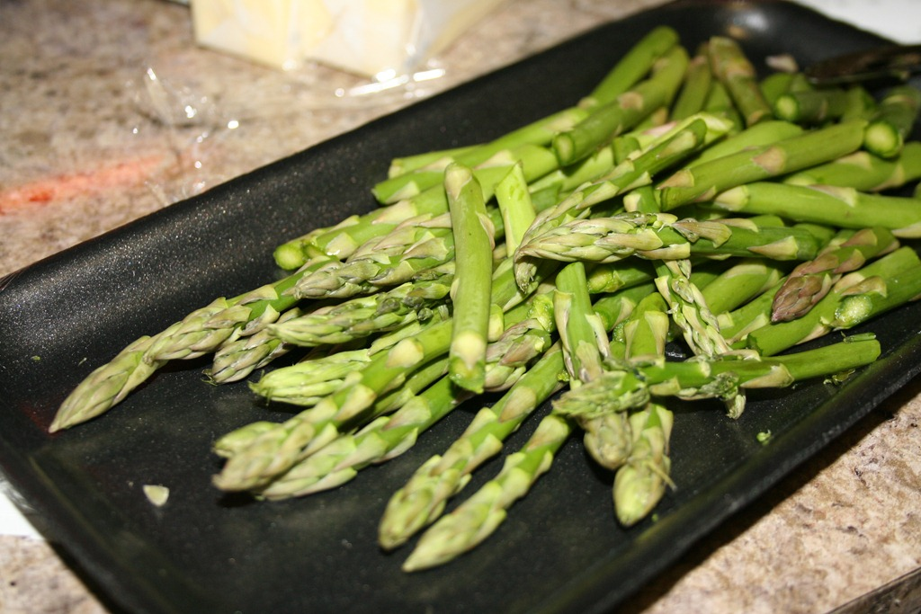 ... gorgeous asparagus. I figured the best bet would be a salad of sorts